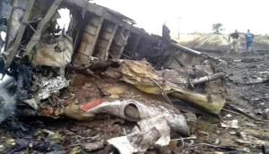 Serpihan pesawat MAS MH17 - Viva