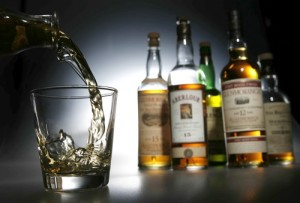 BOTTLED UP: Single-malt Scotches that have been finished in various woods, such as Oloroso sherry or Burgundy casks. PHOTOGRAPHER: Myung J. Chun Los Angeles Times] *** [Chun, Myung J. -- - 116490.FO.1019.scotch.MJC -- Single malt Scotch whisky. PHOTOGRAPHER: Myung J. Chun Los Angeles Times. Photo shot on Thursday, October 19, 2006.]